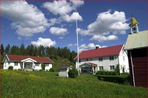 Konsesjon: Formannskapet i Sør-Aurdal sa ja til at Sjur Åsen skulle få konsesjon på garden Åsen i Sør-Aurdal. Han får utsatt boplikt fram til 1. januar 2022.