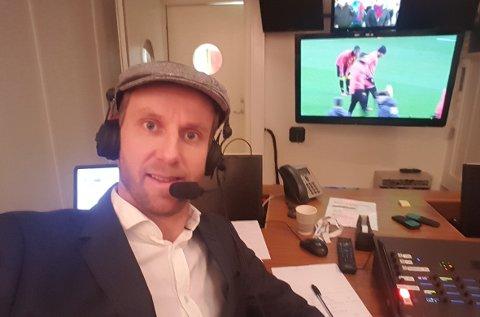 JULEKOMMENTATOREN: Jørgen Klem kjører stil med hvitskjorte 2. juledag for et par år siden. I år satser Hanna, han og barna på sykdomsfri jul.
