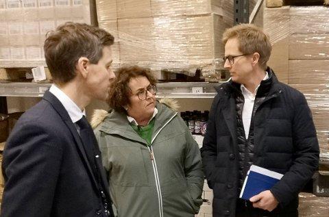 FIKKMATSJOKK:Fra NRKs opptak på Ringnes i fjor med f.v. Knut Arild Hareide, landbruks- og matminister Olaug Bollestad og administrerende direktør Anders Røed i Ringnes.