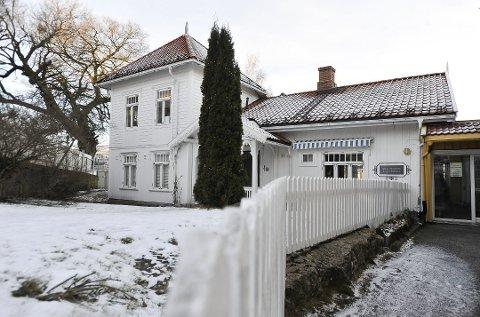 Huset i Storgata 29 heter egentlig Sjølyst, men blir på folkemunne omtalt som Birkelandgården etter Hartvig Birkeland.