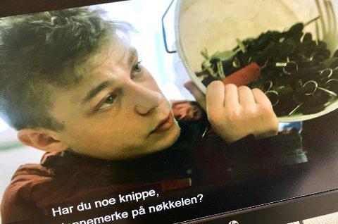 Bøtta: – Ser du nøkkelknippet ditt i denne bøtta, spør Steinar i NRK-serien nest siste episode.