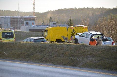 HER SKJEDDE DET: Det var her, i sydgående løp ved Taraldrud på E6, at ulykken skjedde onsdag ettermiddag. Foto: Natalie Kristiansen