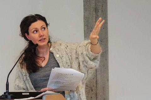 Faktaformidler: Alexandra Sandulescu, avdelingsleder plan og miljø, foredro forslaget til den nye arealplanen i formannskapet. Alle foto: Staale Reier Guttormsen