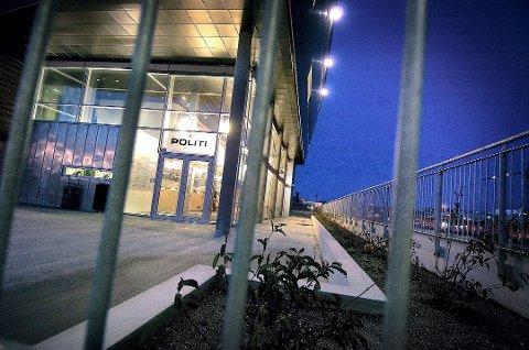 JOBBET PÅ POLITIHUSET: Follo barnevernvakt holdt til i lokaler på Follo politistasjonen i Ski da Oslo-mannen som er tiltalt for å ha skaffet seg seksuell omgang med sin fostersønn, jobbet der.