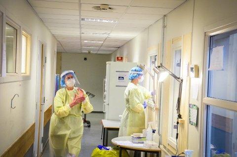 ANALYSERES: Helsemyndighetene skal sjekke koronaprøver fra en rekke østlandskommuner for virusmutasjonen fra Storbritannia.