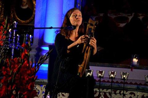 FOLKEMUSIKER: Kjelleberg Solli vant prisen på grunn av sitt mangeårige arbeid med folkemusikk og for sitt engasjement i det lokale kultur- og musikklivet på Os. Her fra en tidligere konsert i Bergstadens Ziir.