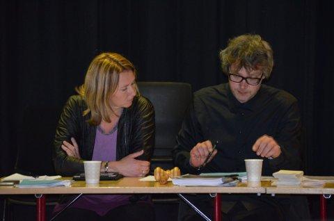 Nyordfører Merete Myhre Moen og gammelordfører Bersvend Salbu fryktet spill i kullissene om arkivet på Tynset. Myhre Moen sier at uten magasinene, er det ikke noe arkiv.