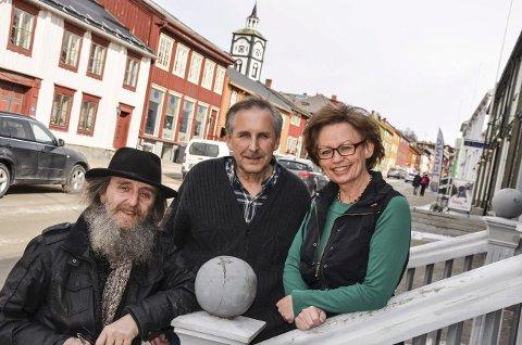 MENIGHETSRÅDSVALG: Arnfinn Strømmevold, Knut Aasheim og leder Ruth Karin Engzelius, er medlemmer i dagens menighetsråd på Røros.  Foto: Guri Jortveit