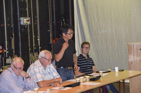 Hold rammene: Terje Hylen (H) var kritisk til overskridelser i Tronstua barnehage. Han fikk støtte av Arne Georg Aunøien (FrP) og Nils Øian.