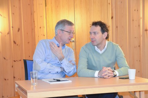 Stein Solbu i samtale med Armen Petergov fra New Mining Company.