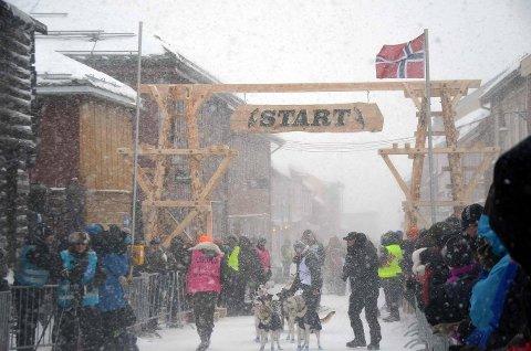 Femundløpet, start i Kjerkgata. 1. februar ser du starten direkte på Retten.no