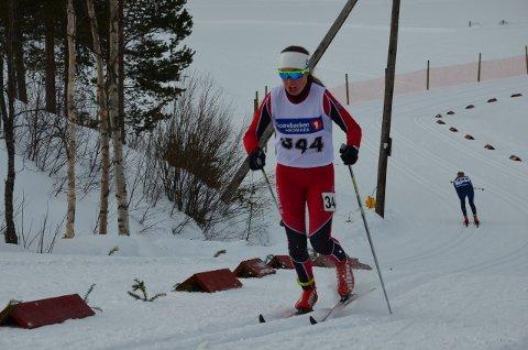 ANKERKVINNE: Anna Vangen Lunåsmo gikk Hedmarks andrelag inn til en sterk sjuendeplass på stafetten.