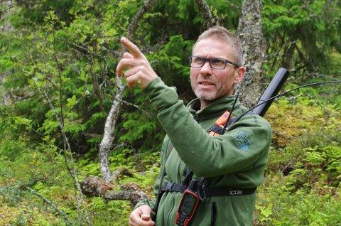 NYTTE: Fellingslagsleder Jo Esten Trøan fra Tolga har gjennom sesongen poengtert at de ser nytten av å kunne samarbeide på tvers av kommunegrenser. Det har vært langvarige fellingsforsøk både på ulv og bjørn i sommer. En bjørn ble felt i Alvdal.