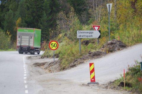 BORT MED DENNE: Den gamle vegen til Steimoegga erstattes av en ny lenger opp i Folldalsvegen.