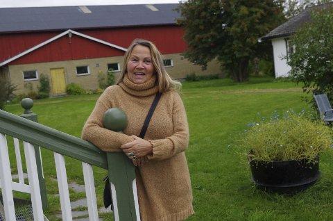 ÅPNER TUNET: Kristin Skrivervik i Snekkargarden er av dem som åpner tunet for utstillere lørdag 9. september.