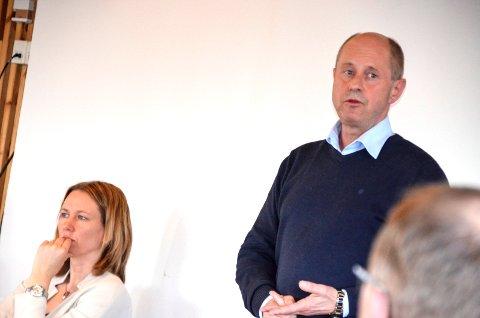 RÅDMANN: Arild Einar Trøen er rådmann i Tynset. Merete Myhre Moen (t.v.) er ordfører.