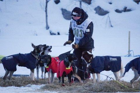 RØROSING: Iver Kolstad kjører for Femund trekkhundklubb, og deltar i Finnmarksløpet. Her fra årets Femund junior, der han vant.