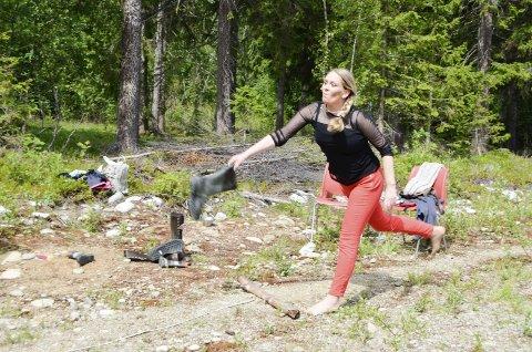 STØVELKASTING:  Venche Kulbotten sa hun kaster gummistøvler bare på torsdager. Nå er hun klar for finalen under neste helg i Ålen.