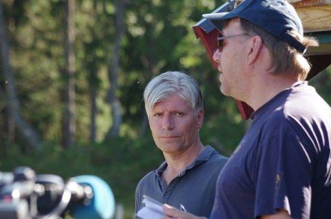 STATSRÅDEN: Klima- og miljøminister Ola Elvestuen (t.v.)  Her er han sammen med SNO-mann Erik Ola Helstad i Gammeldalen i sommer.
