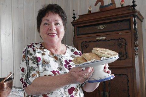 MED STORT HJERTE FOR MATEN: May Kari Wagenius Distad byr på snepp og pjalt etter lokale oppskrifter, og snakker seg varm om mat og skikker. Snart kan du møte henne på Landbrukets Dag under Tynset-mart'n.