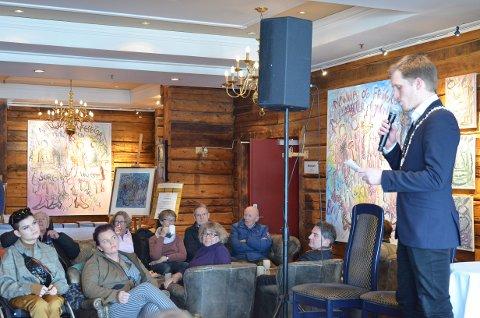 ÅPNINGEN: Varaordfører Christian Elgaaen erklærte årets arrangement for åpnet.