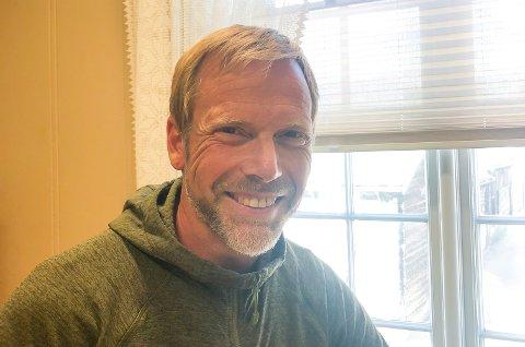 Jostein Valan trives veldig godt med å jobbe i Røros kommune og er glad for å ha fått fast stilling.
