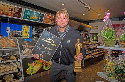 "God service er stikkordet: Tom Lundblad som driver Shell på Vinterbro ble denne uka kåret til ""Årets Kjøpmann"" i Reitangruppen."