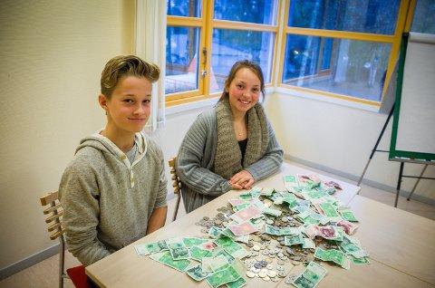 Simon Skarnes Gray (12) og Tilda Vold Sundbø (12) leder elevrådet på Rustad skole.