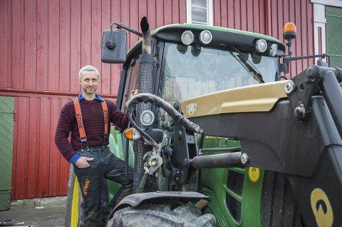 VIL HA MARKEDSDAG: Johan Bjørneby, sier til Ås Avis at ambisjonen er en fast markedsdag i måneden for lokale produsenter. Foto: Åsmund Løvdal