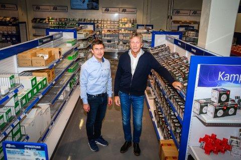 KLAR FOR BUSINESS: Lasse Martinsen og Øyvind Olsen i Berggård Amundsen Servicesenter på Solberg.