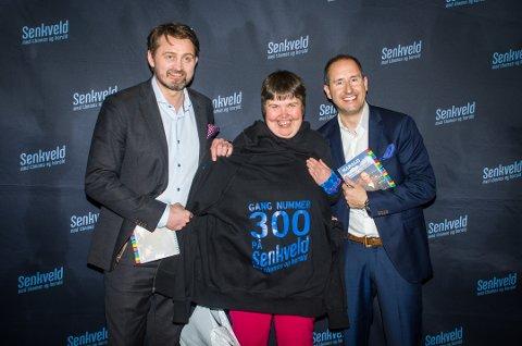 Jubileum: Eirin Bjerke fra Ås var publikum på Senkveld for 300. gang. Det synes programlederne var imponerende.