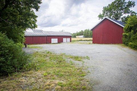 Blir parkering: Gartneritomten på Korsegården blir innfartsparkering med plass til mellom 40 og 50 biler. foto: Åsmund Austenå Løvdal