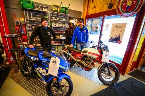 UTVIDER: Leif Grønslet og Thomas Osrønningen forsterker stallen med motorsykler fra Suzuki og Peugeot.