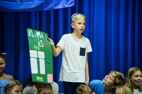 BARNAS BIDRAG: William Hasselstrøm og de andre elevene på 6. trinn på Nordby skole har bidratt til kommunens handlingsplan for klima og energi som nå er ute på høring.