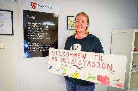 JUBLER FOR STYRKING: Maria Therese Jensen (V) er glad for at tilbudet til heløsestasjonene i Ås kommune styrkes. Samtidig ønsker hun ytterligere innsats for barn og unge.