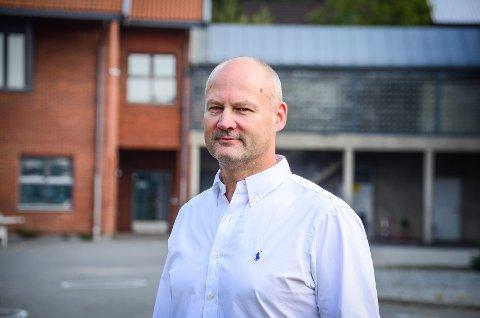 STYRK ÅSSKOLEN: Skriver Bengt Næst-Klemmetsen (H).