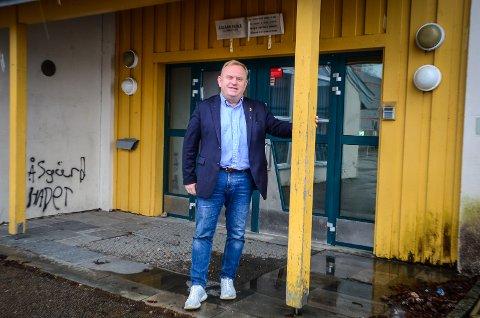 VIL TA OPP SAKEN: FrP ønsker å ta opp skolebyttesaken til politisk diskusjon og behandling, sier gruppeleder Kjetil Barfelt.