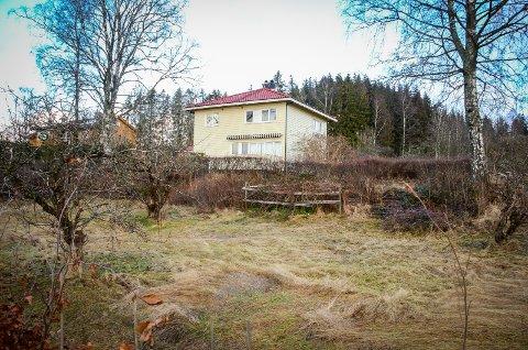 FORTETTING: Kirkeveien 15 i Ås kan gå fra ett hus i dag til fire om utbyggerne får det som de vil.