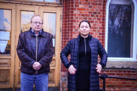 NÆR KOLLAPS: Flere skoler er så hardt presset av korona og sykefravær at de er nær kollaps, sier hovedtillitsvalgt Hanne Nesfeldt og lokallagsleder Audun Johannessen i Utdanningsforbundet Ås.