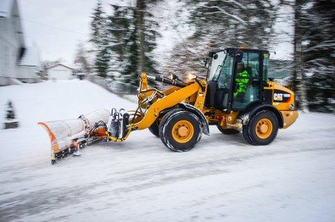 FORBIGÅENDE SNØVÆR: Snøen kommer til Ås på tirsdag, men den blir ikke liggende.