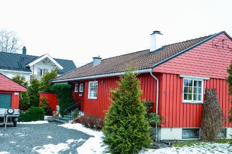 SOLGT: Glomar Eiendom har gjennom datterselskapet Saga Eiendom kjøpt Sagaveien 10B i Ås. De siste årene har selskapet kjøpt opp mange tomter i Sagaveien og Moerveien med ønske om å bygge ut kvartalet med blokker.