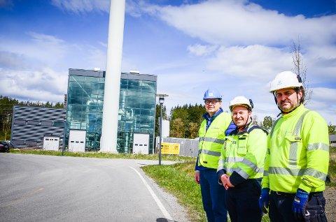 STOLTE AV ÅS: Anlegget i Ås er det Statkraft er mest fornøyd med om dagen. f.v: F.V: Per Weidenhaijn, Ole Jonny Ellingsen og Jens Petter Moe Haakonsen.