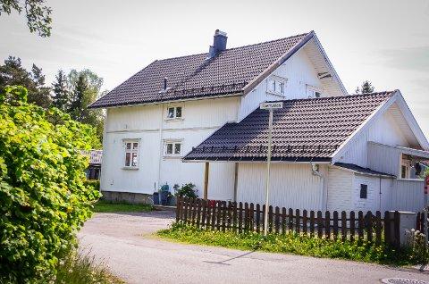 SOLGT: Sagaveien 8 i Ås ble kjøpt av eiendomsutviklingselskapet SAGA eiendom AS for 15 millioner kr.