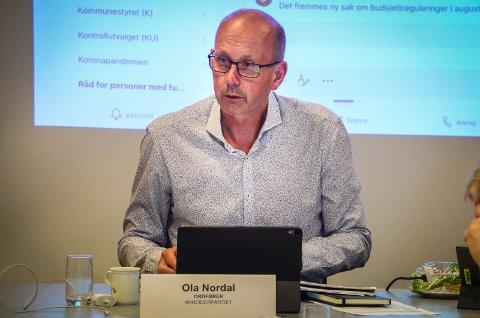 BEDRE OVERSIKT: I løpet av den siste uken har Ås kommune fått mye bedre overiskt over smittesituasjonen, sier ordfører Ola Nordal.