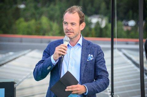 SPLEISELAG: Rehabiliteringen og fornyelsen av næringsbygget kostet 9 millioner kr og er et spleiselag, sier Andreas Jul Røsjø i Møller Eiendom som eier bygget.