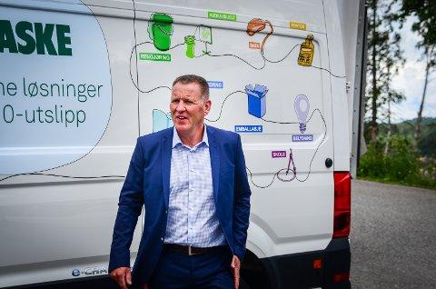 HELT TEXAS: Per Gudnersen og bedriften Maske Gruppen AS på Vinterbro saumfarte verdensmarkedet for å få importert mer smittevernutstyr under koronakrisen.