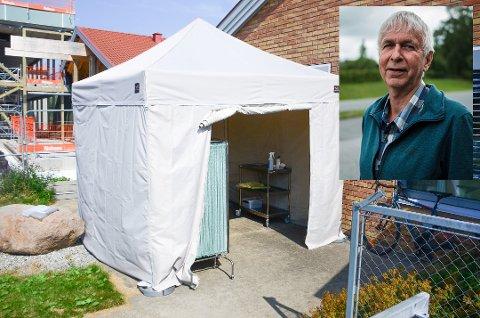 KRITISK: Doktor Leif Sandsdalen, som pensjonerer seg den 1. oktober, er kritisk til hvordan Ås kommune har håndtert testing av koronaviruset. Han er lite imponert av teststasjonen ved det kommunale fastlegesenteret på Moer.