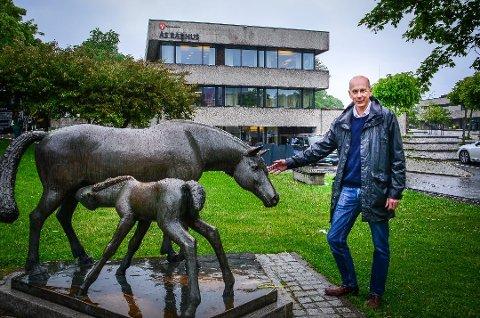 MENER STATEN BØR BETALE MER: Ordfører i Ås, Ola Nordal (Ap), mener staten bør gå inn med mer penger i byggingen av nye E18 Retvet - Vinterbro for å redusere behovet for bompenger.