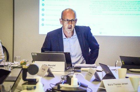BER OM FLERE VAKSINER: Ordfører Ola Nordal (Ap) mener Ås kommune bøær prioriteres når nye vaksinedoser skal prioriteres.