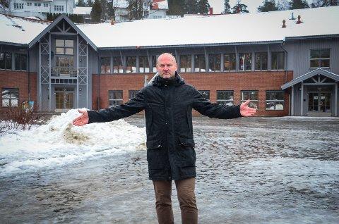 OPPGITT: Hva med Sjøskogen? Spør Bengt Nøst-Klemmetsen (H). Han mener 7 millioner kr for å flytte modulbygget fra Åsgård til Sjøskogen og drifte det der i fire år er en rimelig løsning for å øke kapasiteten ved skolen.